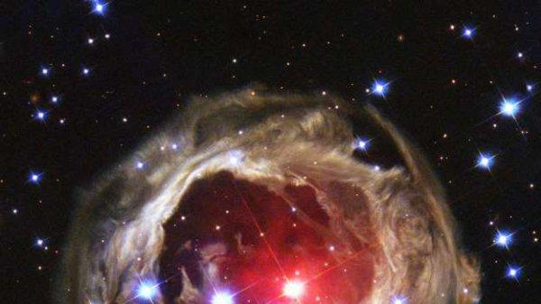 Un fait extrêmement rare, la mort d'une étoile vu par la NASA (l) (l)