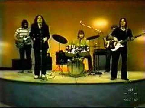 Avec ce bon groupe rock canadien (l)
