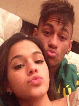 Bruna Marquezine fica nervosa com vazamento de informações em hotel que ficou com Neymar Por Yahoo! Entretenimento | Notas Celebridades – 10 horas atrás