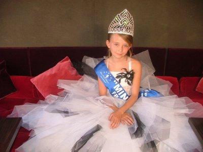"notre miss invitee:OCEANE SCHARRE ""MINIMISS FRANCE 2011"""