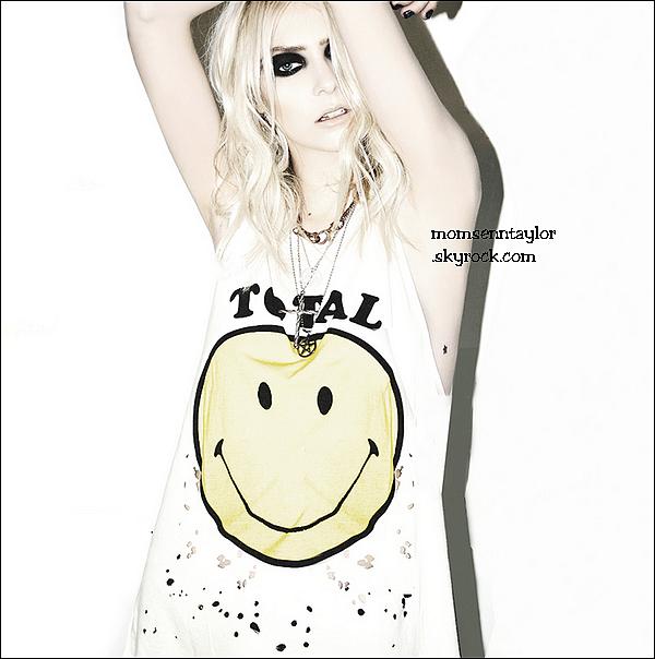 Découvrez une photo de Taylor pour Nylon, et un retweet-photo de Miss Momsen !