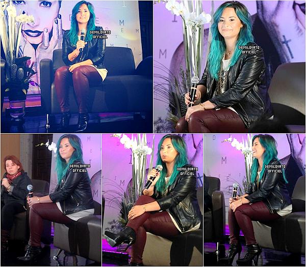 11.10.2013 - Demi a été à l'inauguration de Radio Disney 993 à Mexico. (Vidéo)