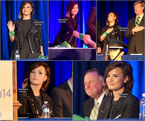02.09.2014 - Demi a tourné une vidéo pour sa tournée mondiale pendant les répétitions de sa tournée en Caroline du Nord.