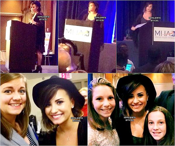 09.09.2014 - Demi a fait un meet and greet à Pittsburgh.