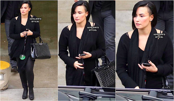 05.12.2014 - Demi a été vue arrivant au Jingle Ball organisé par la radio KIIS FM à Los Angeles.