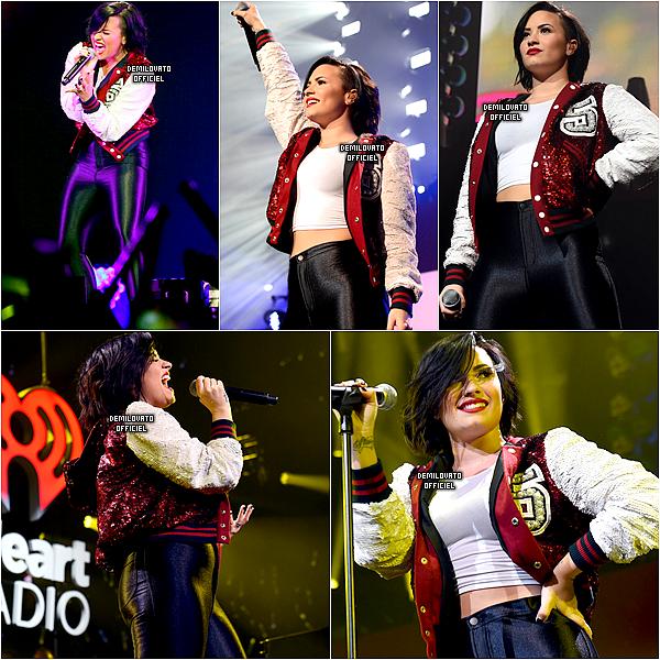 08.12.2014 - Demi a posé sur le tapis du Jingle Ball organisé par la radio 101.3 KDWB à Saint Paul. (Vidéo)