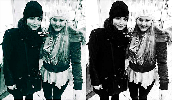26.12.2014 - Demi a assisté à un match de basket avec Wilmer Valderrama à Dallas.