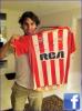 """10.12.11 : Bruja, merci beaucoup pour le tee-shirt ! Félicitations pour ta superbe carrière. J'espère que tu vas continuer à nous faire vibre avec ton football pendant les 6 mois à venir !"""""""