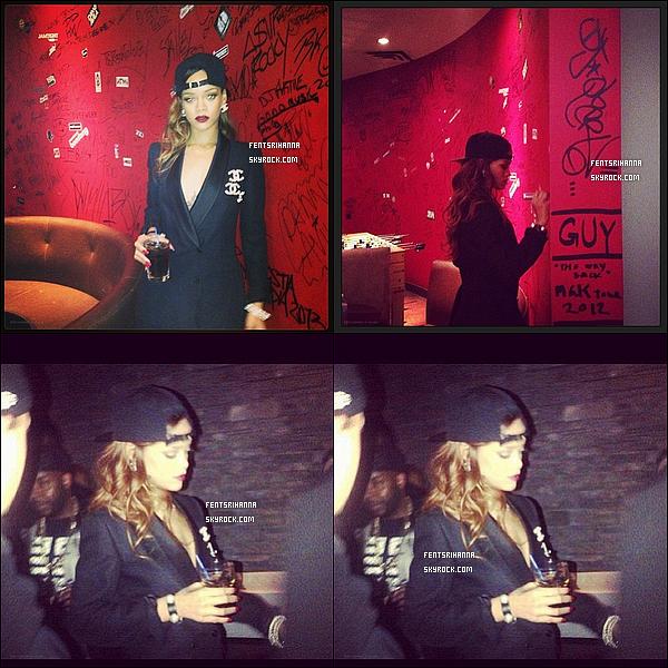 - Rihanna et ses amis sont allés au disco Dix x,Après son spectacle au Scotiabank Saddledome à Calgary. (+) Quand pense-tu de ces quatre magnifique photos de la belle Rihanna Fenty? Perso : Rihanna sur les photos je la trouve super belle... ! -