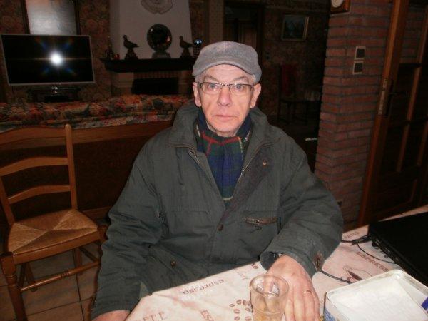 Bernard Decool Le Champion de sa rue et joueur de notre club de L Aéroplume de Bouvigny