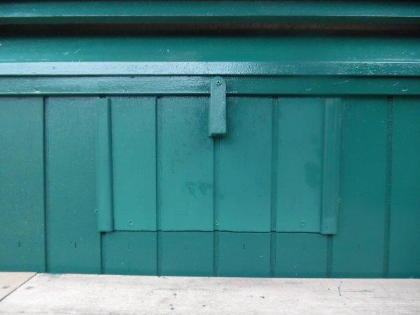 Ouverture  de 2 Trappes d accès pour les petites volières