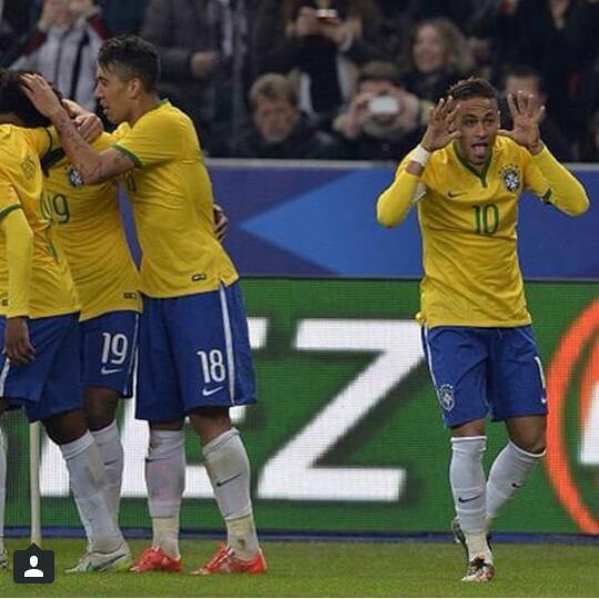 Neymar c'est un gars a part ????