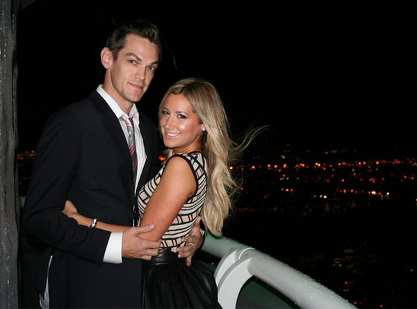 Ashley et Christopher fiancés