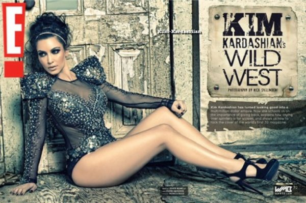 02/08/11. Kim Kardashian est la 1ère femme au monde à faire la couverture du magazine 3-D.