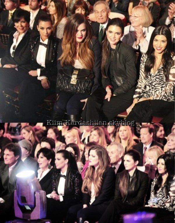 21/11/11. La famille Kardashian sont allée soutenir Rob à la final de DWTS. Rob n'a pas gagner cette saison.