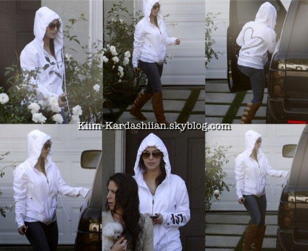02/12/11. Kim est allée rendre visite à une amie à L.A. (Kim se fait plutôt rare en ce moment !)