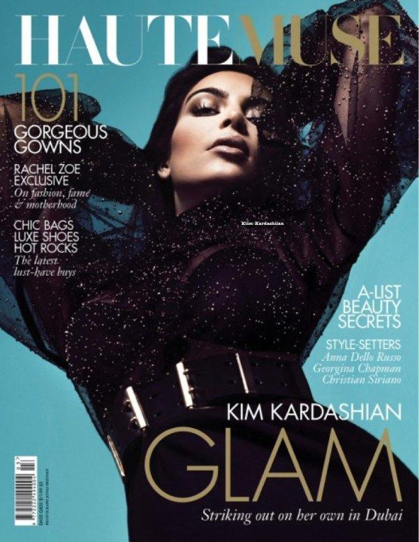 """Kim refait une second fois la couverture du """"HauteMuse"""" magazine."""