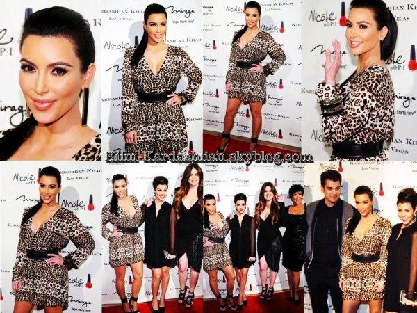 15/12/11. La famille Kardashian/Jenner, tous présent pour l'inauguration de Kardashian Khaos au Mirage Hotel à Vegas.