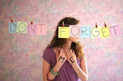C'est dur ne pas pluerer quand quelqu'un que vous aimez vous dit de l'oublier ='(