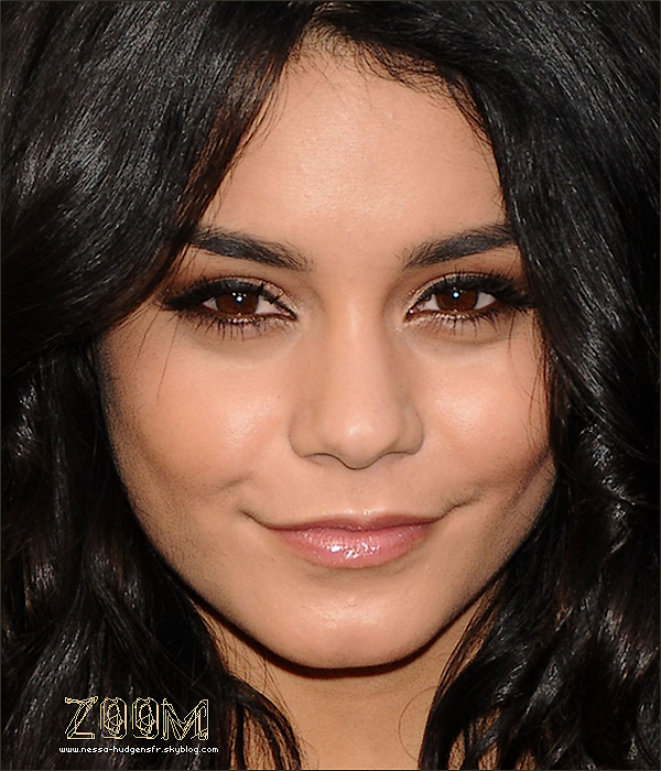 ". Zoom sur Vanessa Hudgens "" The legends of the guardians, Premier"". . Merci à Vanessa-Hudgens-Actue la boss en zoom !"