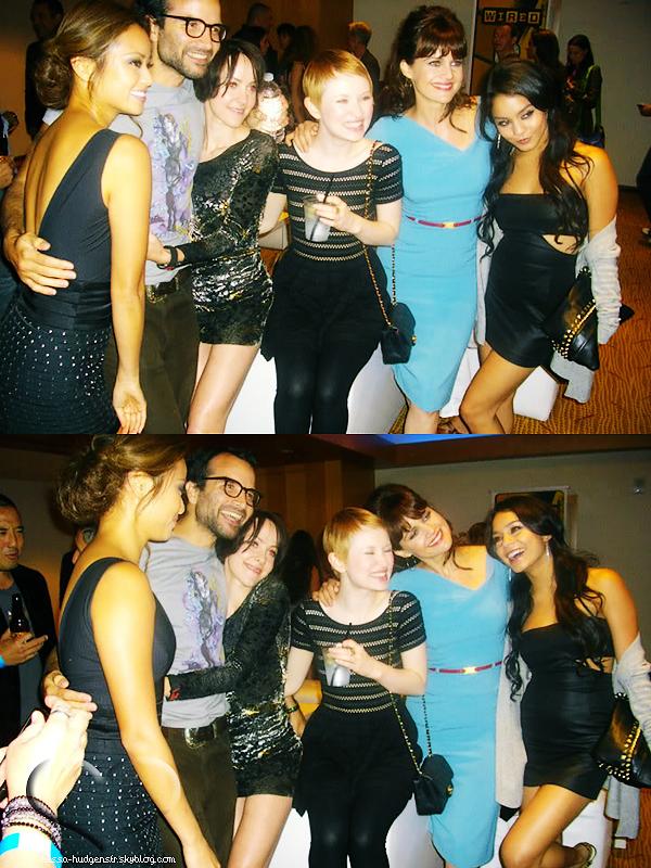 """. Vanessa et le reste du cast de  """"Sucker Punch"""" à l'after du Comic-Con. ."""