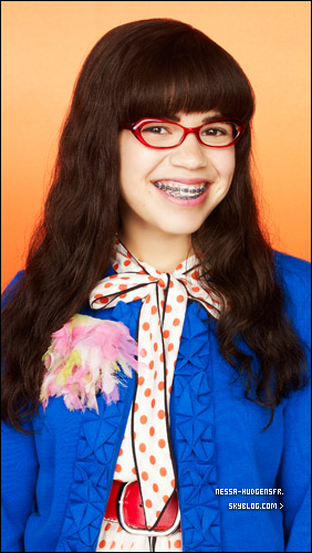 . Nessi pretty ou Ugly betty ?  Une ressemblance ?  .