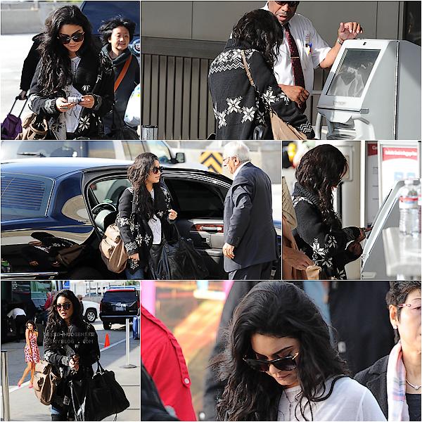 . 16 Janv. 2011 : Vanessa Hudgens arrivant à LAX aéroport direction la Caroline du nord. ___Top ou Flop ? Vanessa n'assistera donc pas aux Golden Globes, Déçut ? Selon twitter Nessa aurait vu Zac dans l'après-midi. .