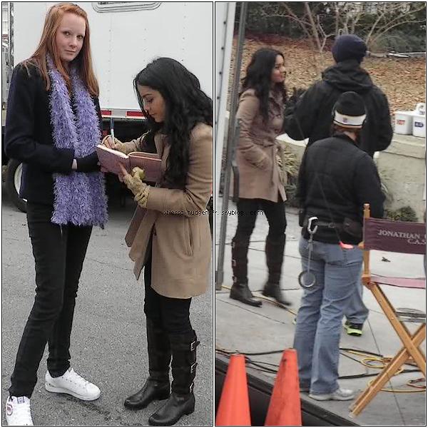 . 28 Janvier 2011 : Vanessa sur le set de Journey 2 : The mysterious island, puis avec une fan. En CA.