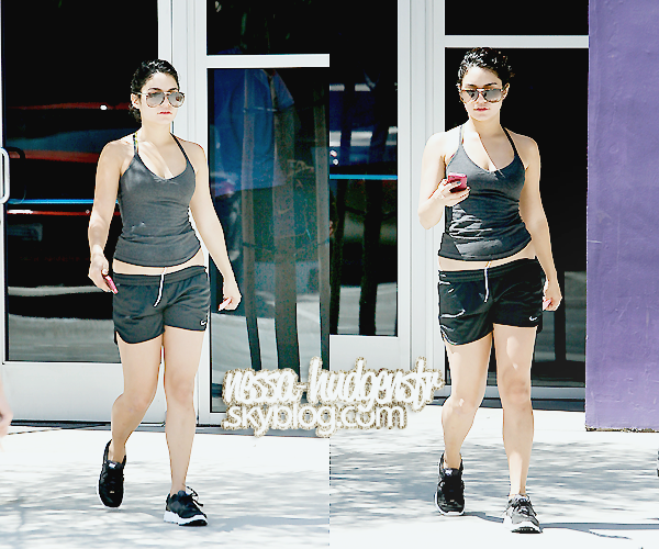 Le 28/08/2011 : Vanessa, Gina & Stella vue à Los Angees sortant de la Gym.   l