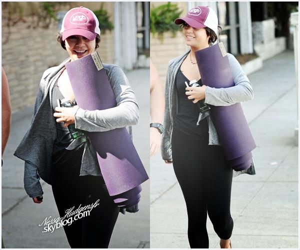 21 Sept. 2011 / Vanessa Hudgens aperçu avec son prof de yoga sortant du yoga à Studio City.