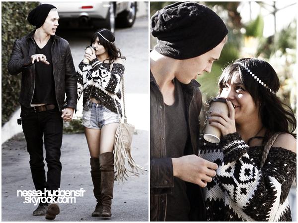 03.12.11  Vanessa Hudgens à été vue se promenant avec son boyfriend, Austin Butler à Burbank. Ils sont mignon voir trop --' Je n'arrive vraiment pas à m'y faire! Comment trouvez vous ce couple ? Moi non.