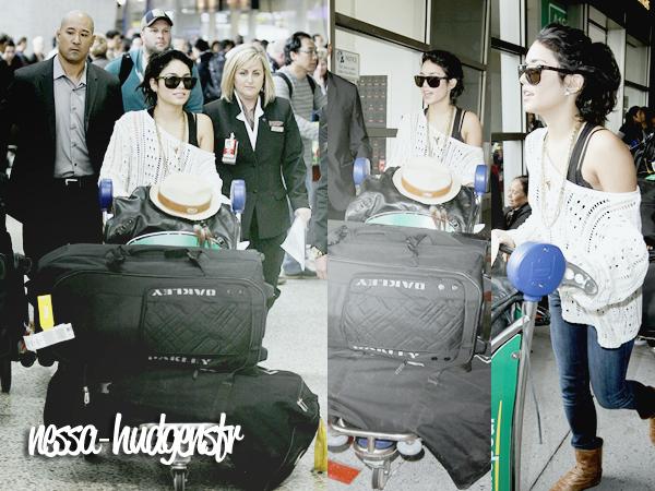 Vanessa vue arrivant à l'aéroport de Melbourne en Australie le 13.01.12.