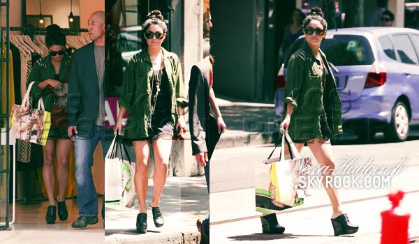Vanessa vue faisant du shopping dans Chapel Street à Melbourne. 16.01.12