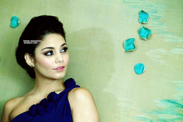 27 Janvier 2012 - Magnifique shoot de Vanessa par le photographe César Vicuña pour la promo de 'Viaje 2'.