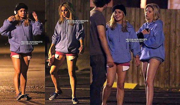 15.03.12 Vanessa & ses co-stars vue toujours & encore sur le tournage de Spring Breakers en Floride.