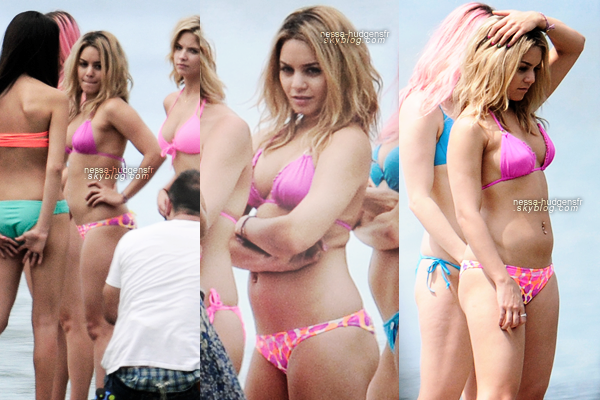 28.03.12 Vanessa & ses co-stars sur le set de Spring Breakers.