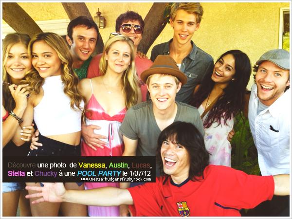 27 Juin 2012 : Vanessa et Austin sortant de leur cours habituel de yoga à Los Angeles.