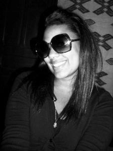 Je cache ma peine derrière ce sourrir qui ne veut rien dire ..