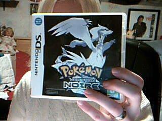 Pokemon version Noire (Sorti le 4 mars 2011 avec la verison blanche)