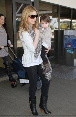 Candids 4 Avril : Au LAX Airport avec Charlotte