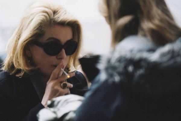 """""""La femme Deneuve."""" Embassadrice du charme à la française !"""