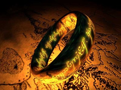 3 Anneaux pour les Rois Elfes sous le ciel,7 pour les Seigneurs Nains dans leurs demeures de pierre,9 pour les Hommes Mortels destinés au trépas, 1 pour le Seigneurs Ténébreux sur son sombre trôneDans le Pays de Mordor où s'étendent les Ombres.Un Anneau pour les gouverner tous. Un Anneau pour les trouver,Un Anneau pour les amener tous et dans les ténèbres les lierAu Pays de Mordor où s'étendent les ombres.