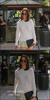 19 . 05 . 14 : Crystal a été photographié alors qu'elle faisait du shopping à Los Angeles :