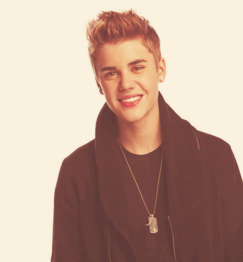 Le 17 mars : Justin à rendu une petite visite à l'hôpital Cedars-Sinai Medical Center à Los Angeles. Selon quelques rumeurs, il aurait était accompagné de Selena Gomez. + une photo du photoshoot promotionnel de Proactiv, datant de 2011.