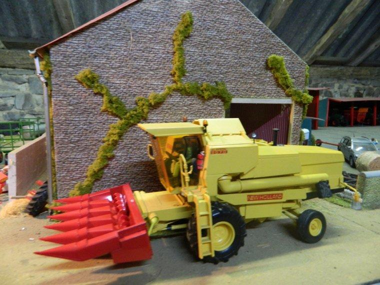 la nh 8070 recois son bec a maïs grain