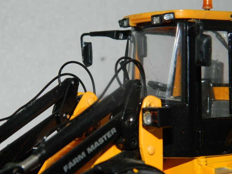chargeuse JCB 416s (modification du britains)