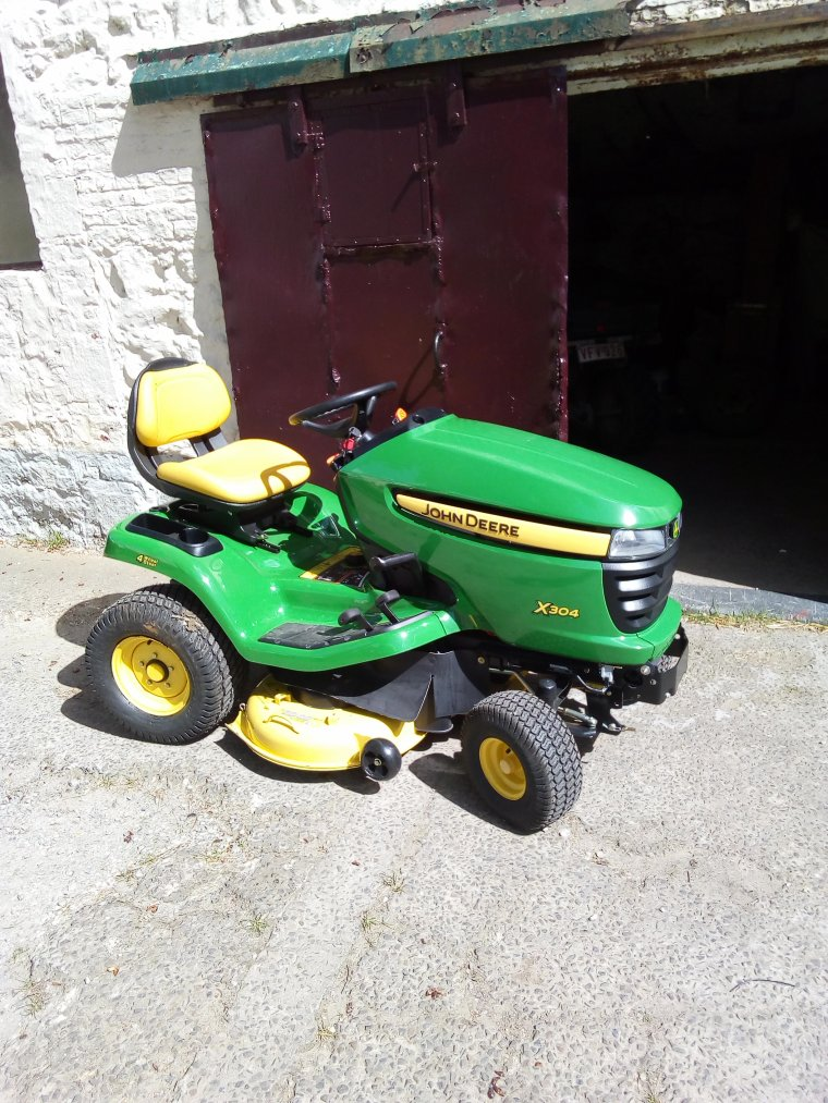 nouveaux tracteur tondeur : john deere x304 mulching