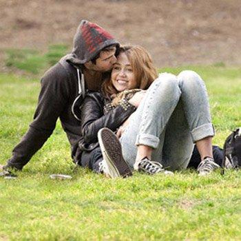 Miley sort avec l'ex d'amy winehouse !