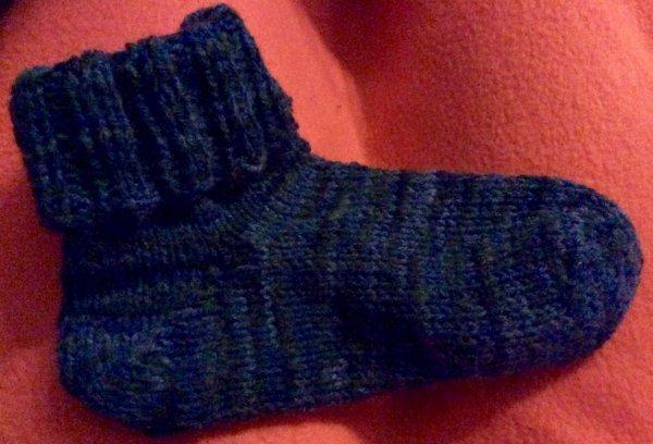 Essais de chaussette a 4aiguilles :) reste à faire la 2 eme