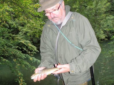 Pêche de la truite aux leurres sur la Seine (Aube en Champagne-Ardenne)
